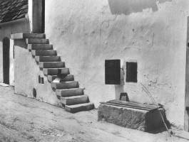 <p>Traditional stair motive, Burgenland, Austria – © archive Peter Noever</p>