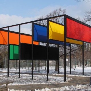 "Donald Judd, ""Stage Set"""