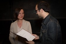 <p>Birgit Jürgenssen Award, assembly hall Academy of Fine Arts Vienna, 4 May 2017 – Olga Okunev with Johannes Gierlinger (Photo: eSeL.at – Lorenz Seidler)</p>