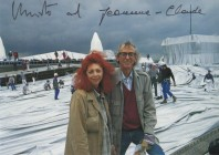 <p>CHRISTO and Jeanne-Claude on the Reichstag, Berlin 1995 – a postcard with a dedication for Peter Noever. Photo: Wolfgang Volz, Düsseldorf/Germany — archiv peter noever</p>