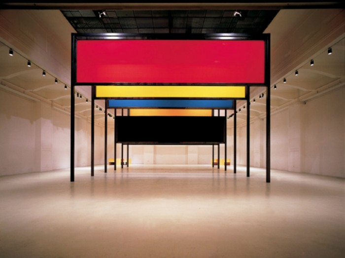 "Donald Judd, ""Stage Set"" at the MAK, 1991. (© archive peter noever)"